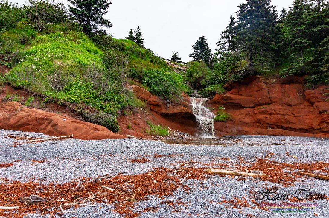 Red Rock Falls 1050